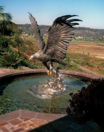 Splashdown-California-Eagle-Sculpture-Monument