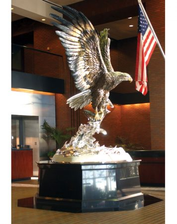 Splashdown-Eagle-Sculpture-Monument-Anheuser-Busch-The-Informant-Movie