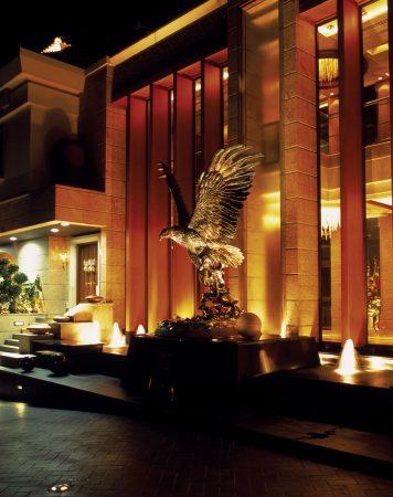 Splashdown-Eagle-Sculpture-Monument-Singapore-Tommie-Goh